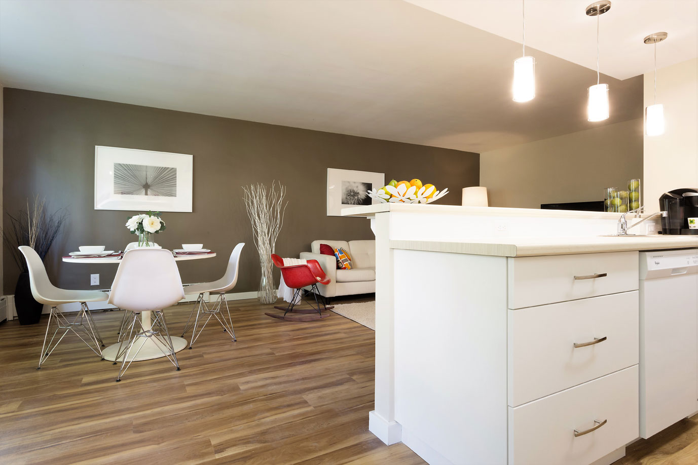 Kitchen-Cabinets-to-Dining.jpg