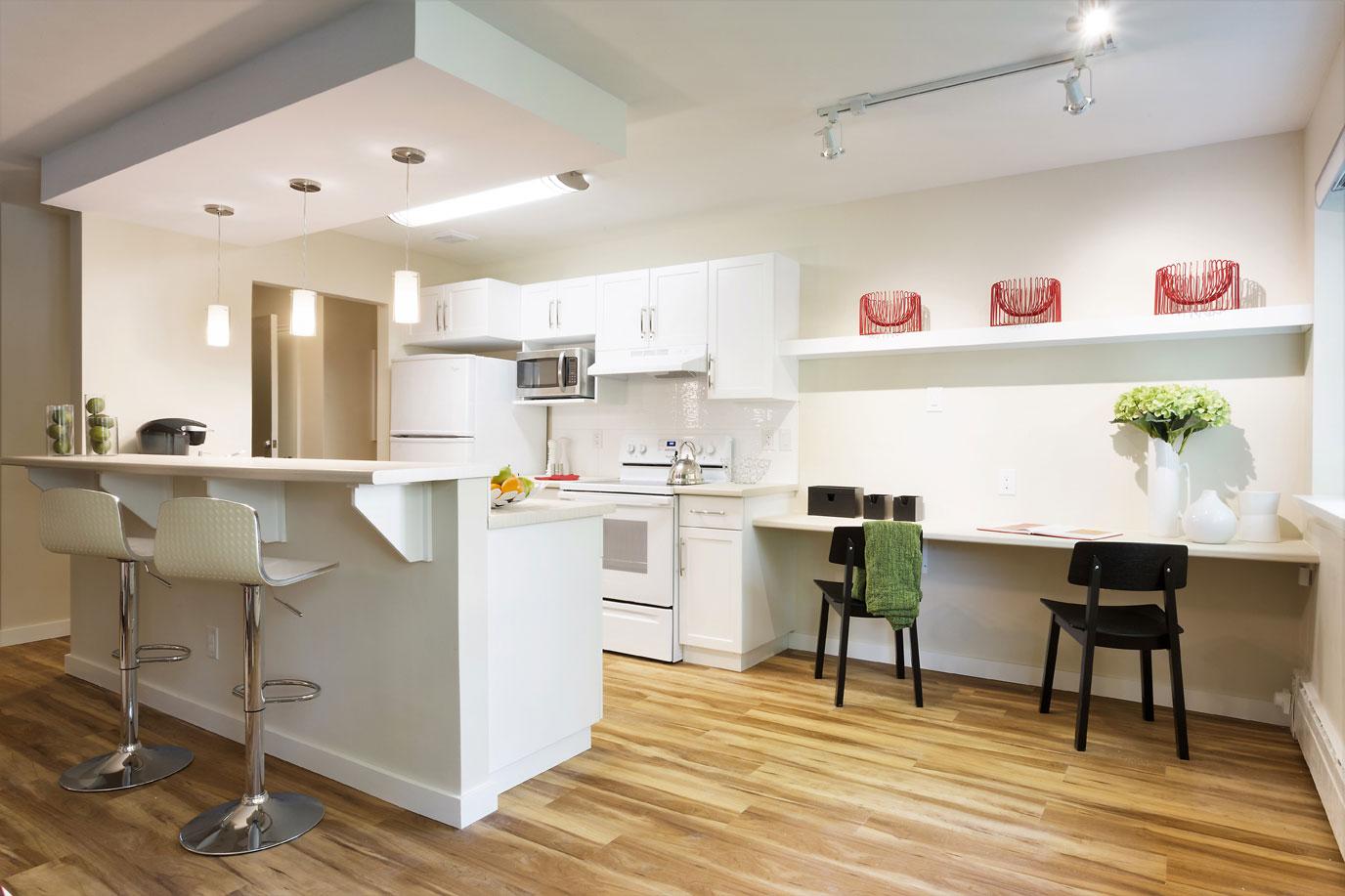 Workstation-and-Kitchen.jpg