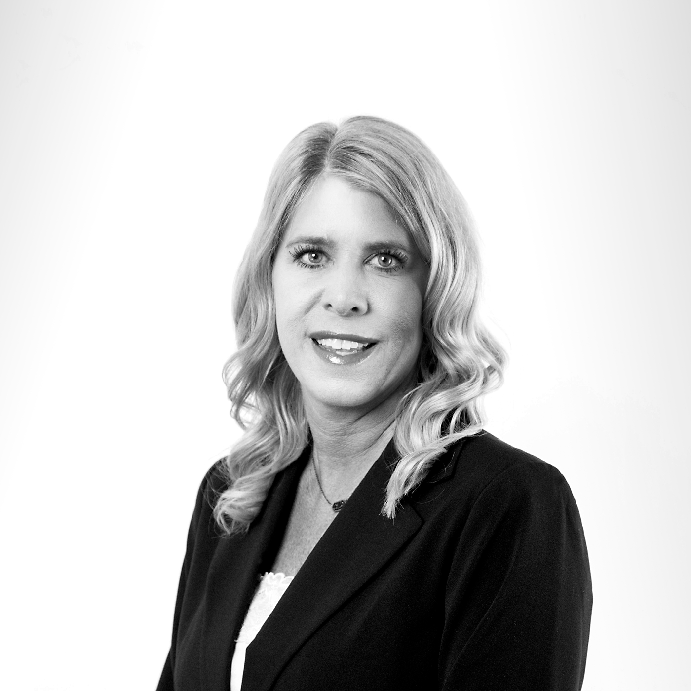 Kristen Lewis | Knightsbridge Advisers