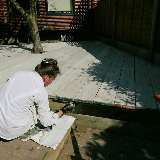 Our studio is in our back garden and our new dog totally wrecked the lawn under the tree by digging massive holes.  We needed to make the garden dog proof, so we got some samples for different decking surfaces. The one we liked most was over £100/sqm and we realised old scaffolding boards would do the job just as nicely for £7/sqm and 3 days wirebrushing, staining and finishing with antislip decking oil.  We loved the multi-coloured metal banding of the scaff boards so we placed the boards to make them visible from the house. This set out the orientation of the timber supporting structure.  Rather than digging deep holes for concrete foundations, we used D.I.Y ground screws. If you're interested in these, you can see how they work here:  https://www.groundscrewcentre.co.uk/  Scroll through to see the process in reverse and we'll post some finished pics really soon!  #gardenstudio #landscapedesign #londongardens #londongarden #eastlondon #e17designers #e17 #upcycled #upcycledgarden #scaffoldboardfurniture #decking #londonarchitects #londondesigner #homeofficedesign #walthamstow #walthamforest #groundscrew