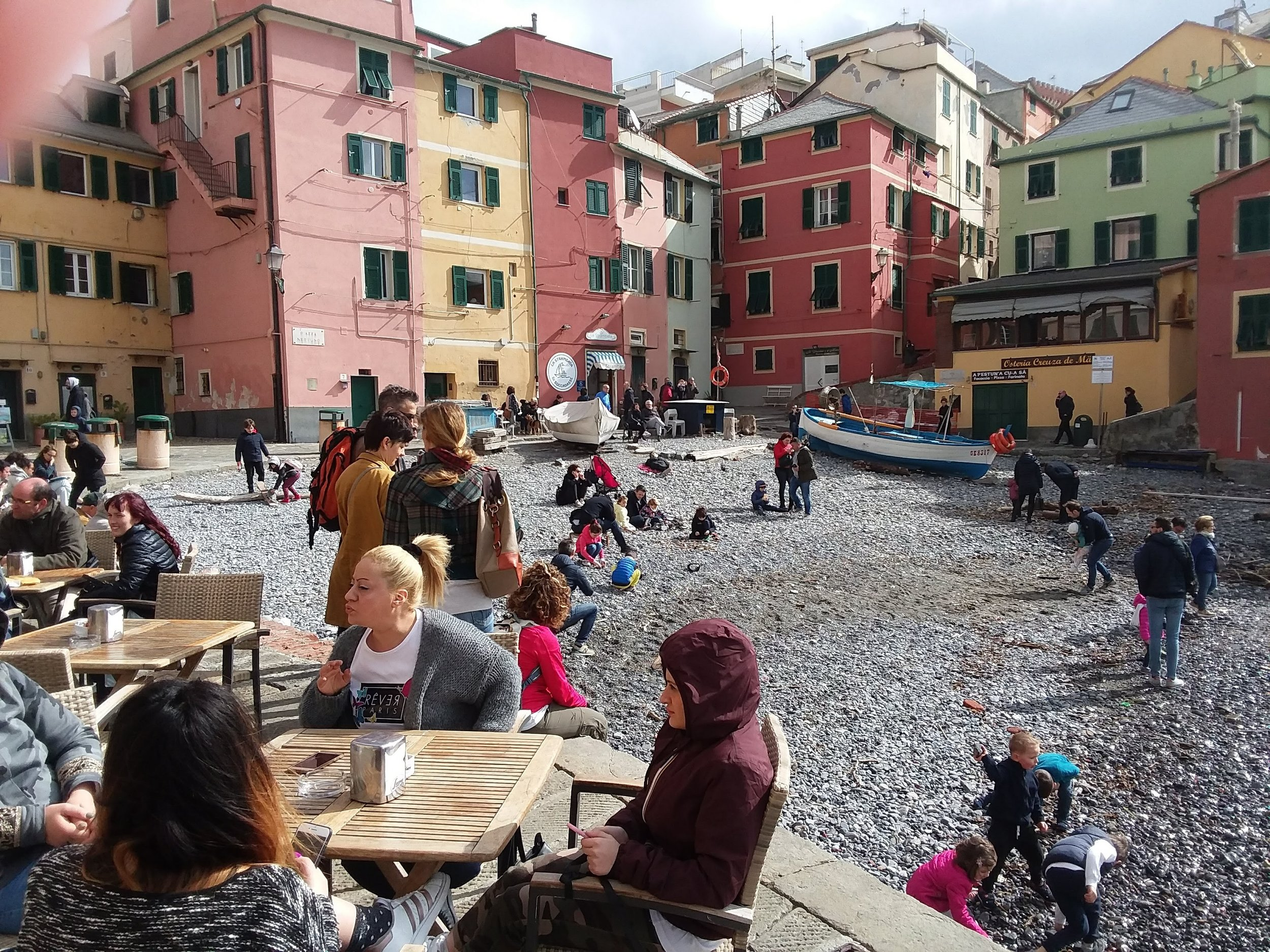 café life alive in the boccadasse