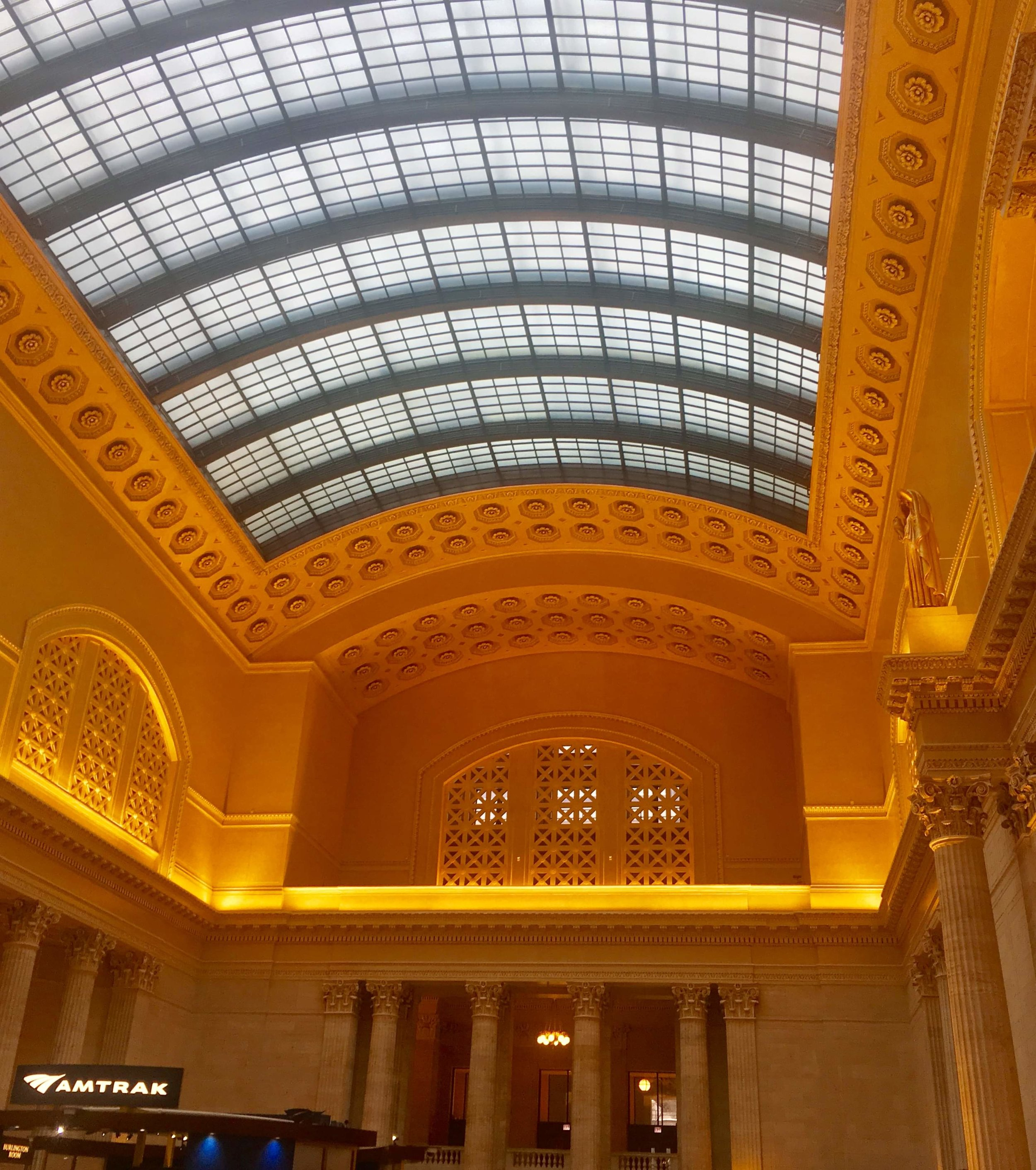 Arriving to the regal splendor of Chicago's Union Station.