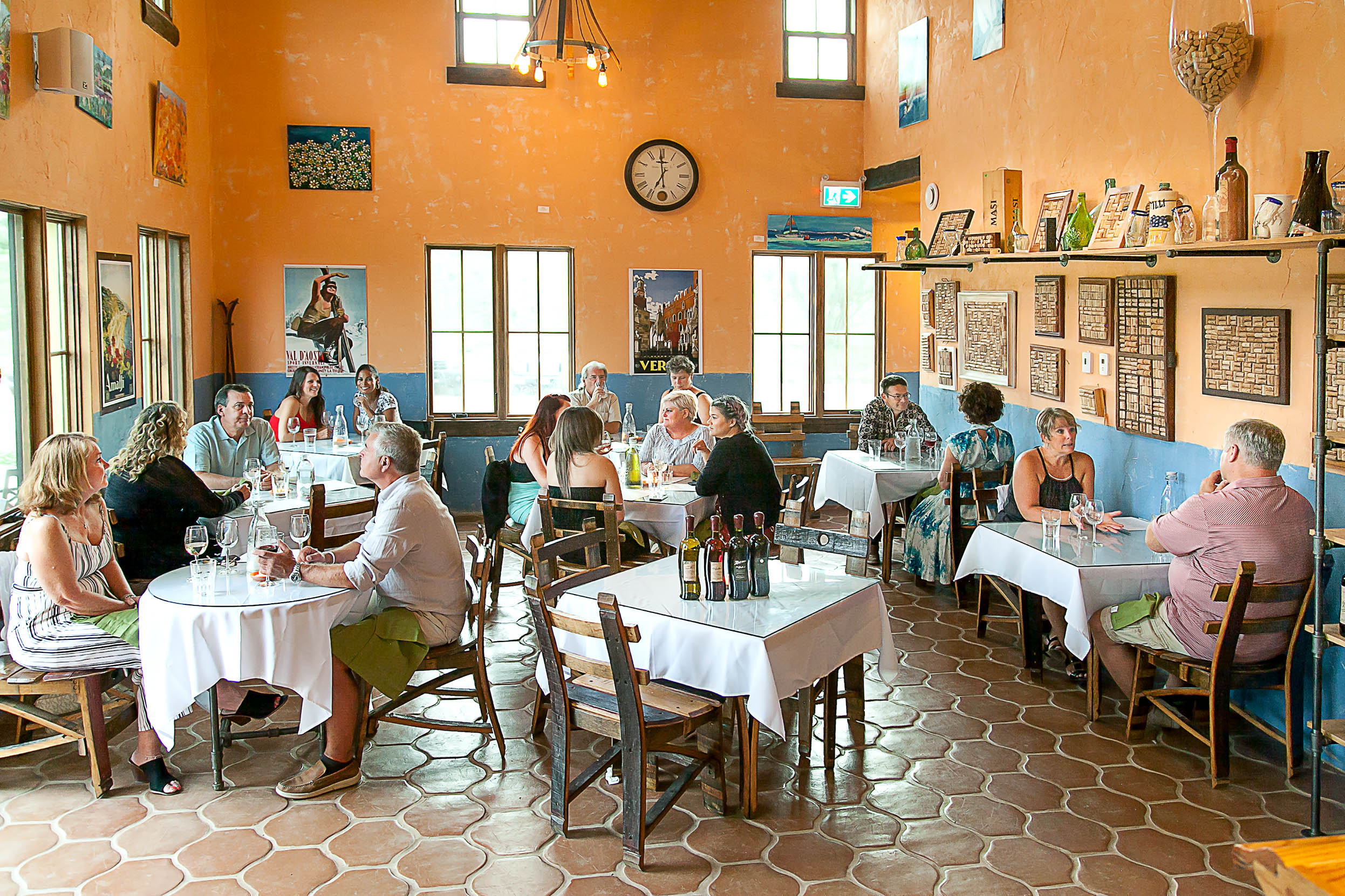 diningroom_IMG_0856.jpg