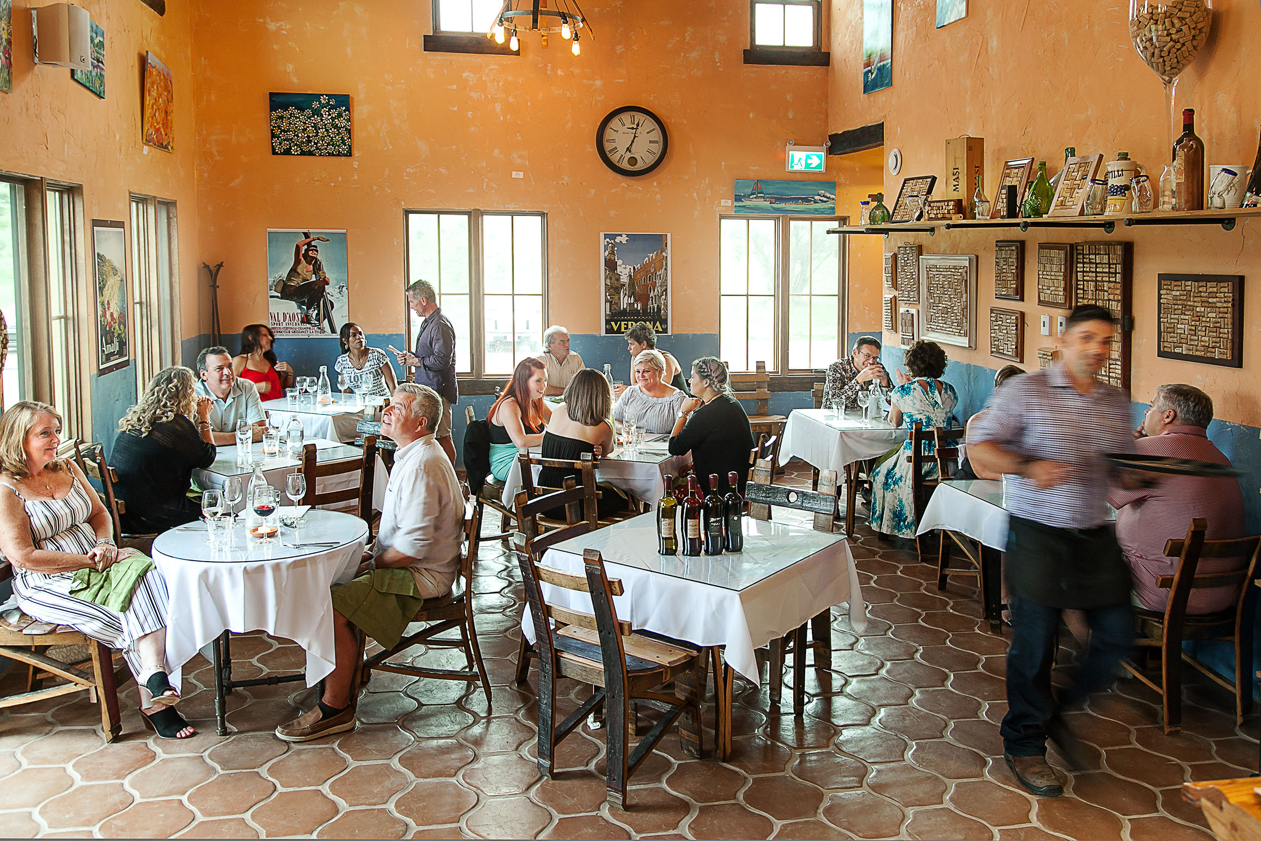 diningroom_IMG_0889.jpg