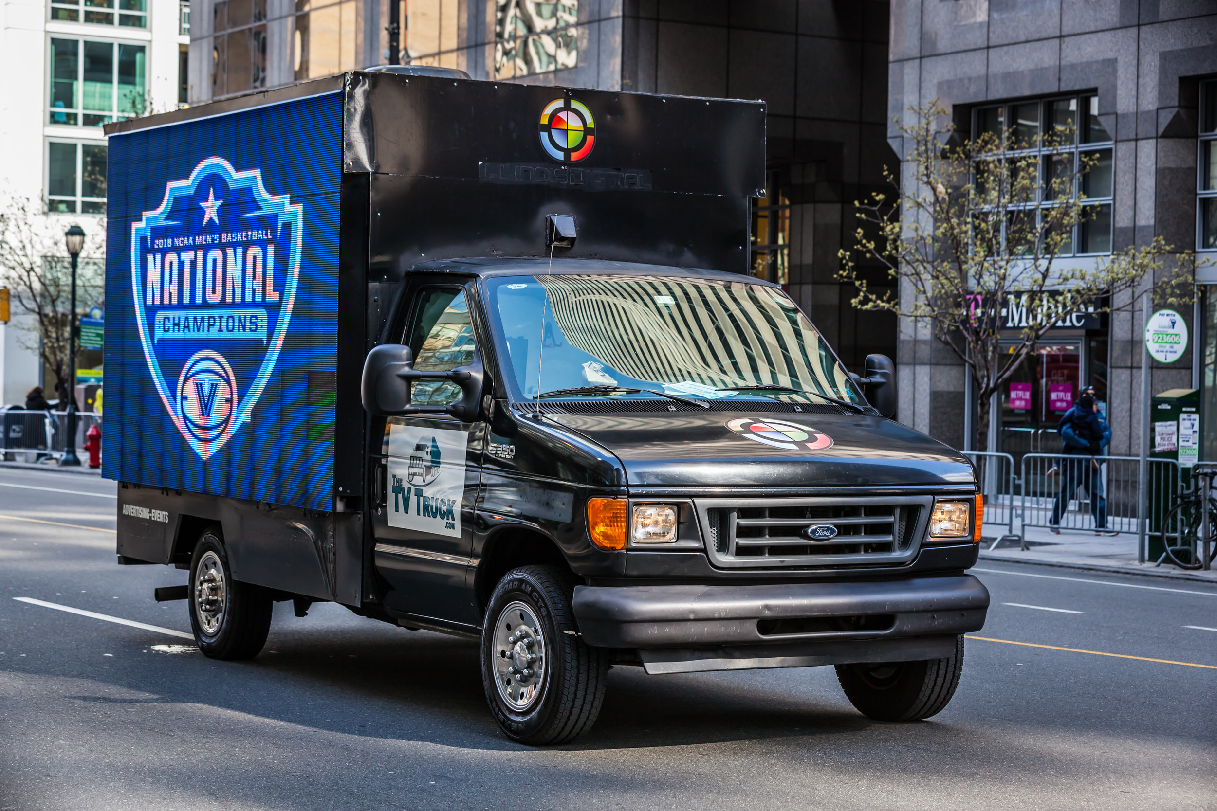 the tv truck villanova parade 2018-7753-3.JPG