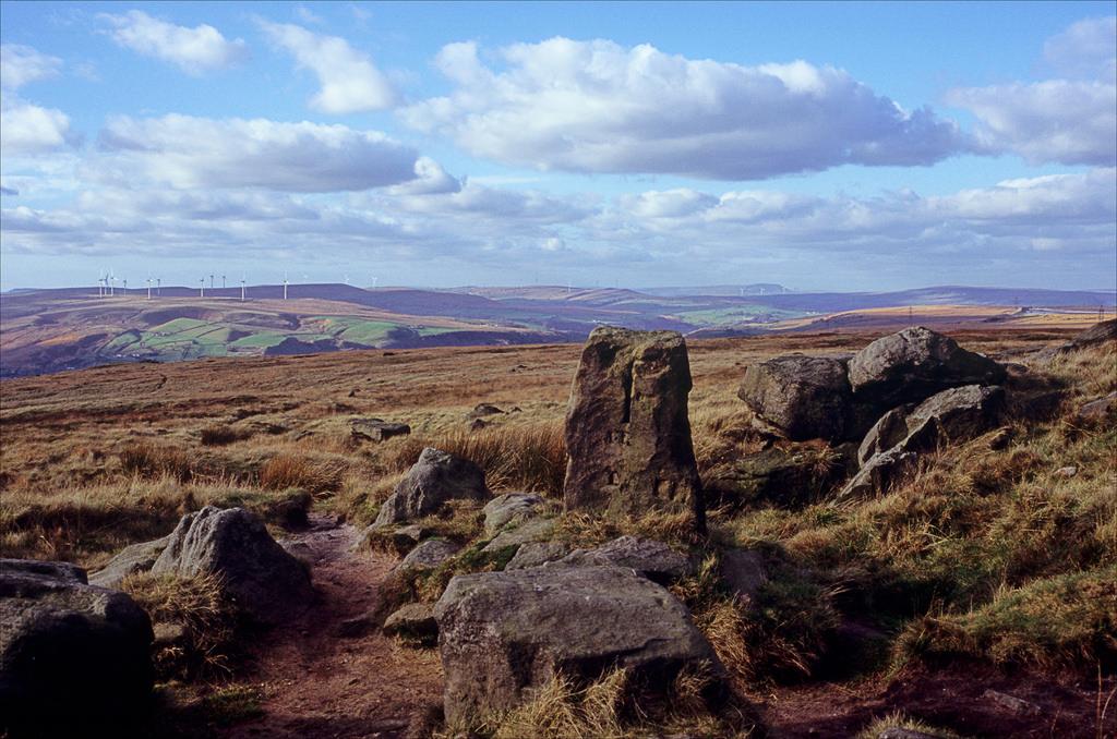 The Aiggin Stone,a mediaeval guide stone for travellers