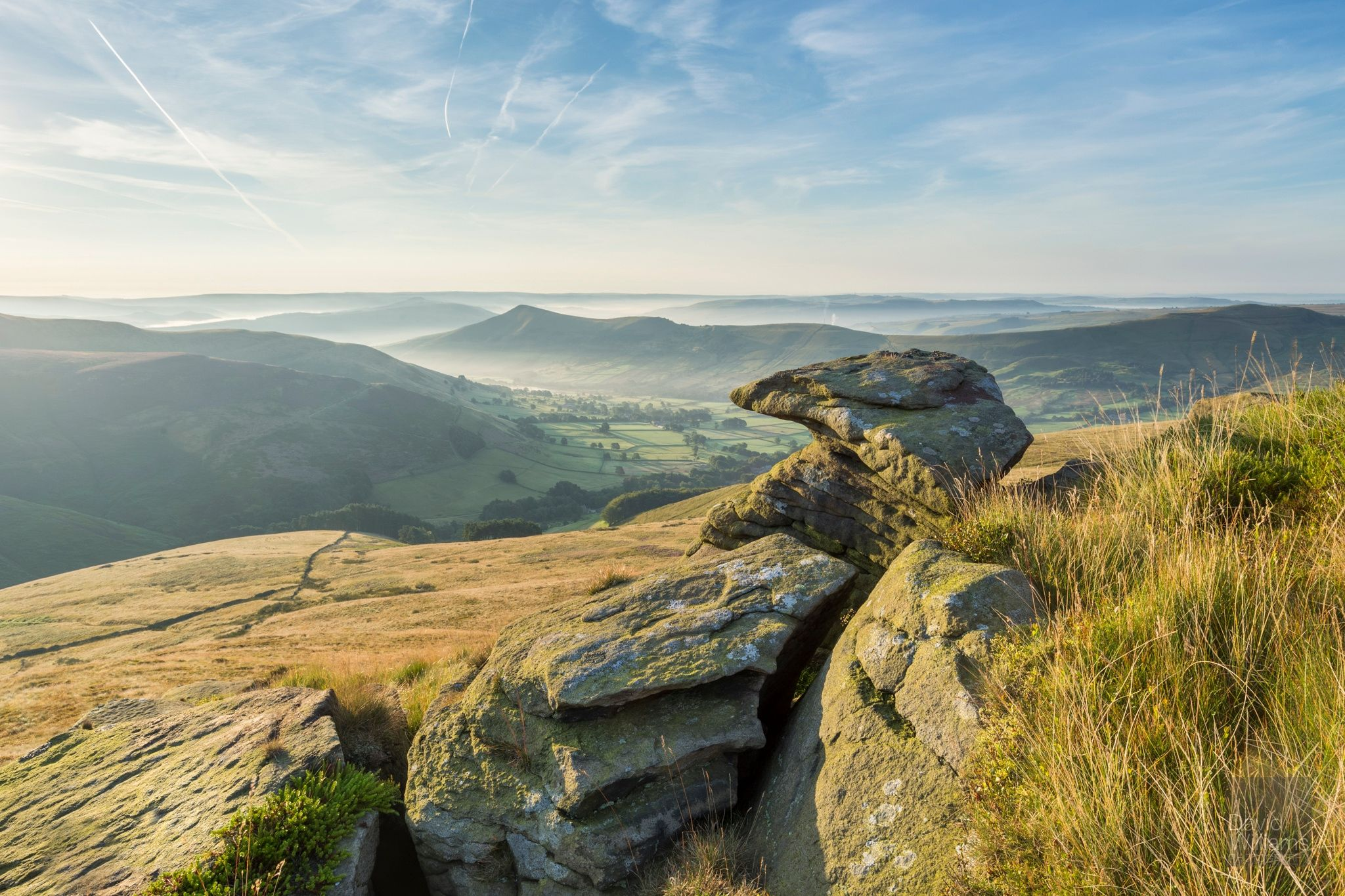 The view into Edale from Grindslow Knoll