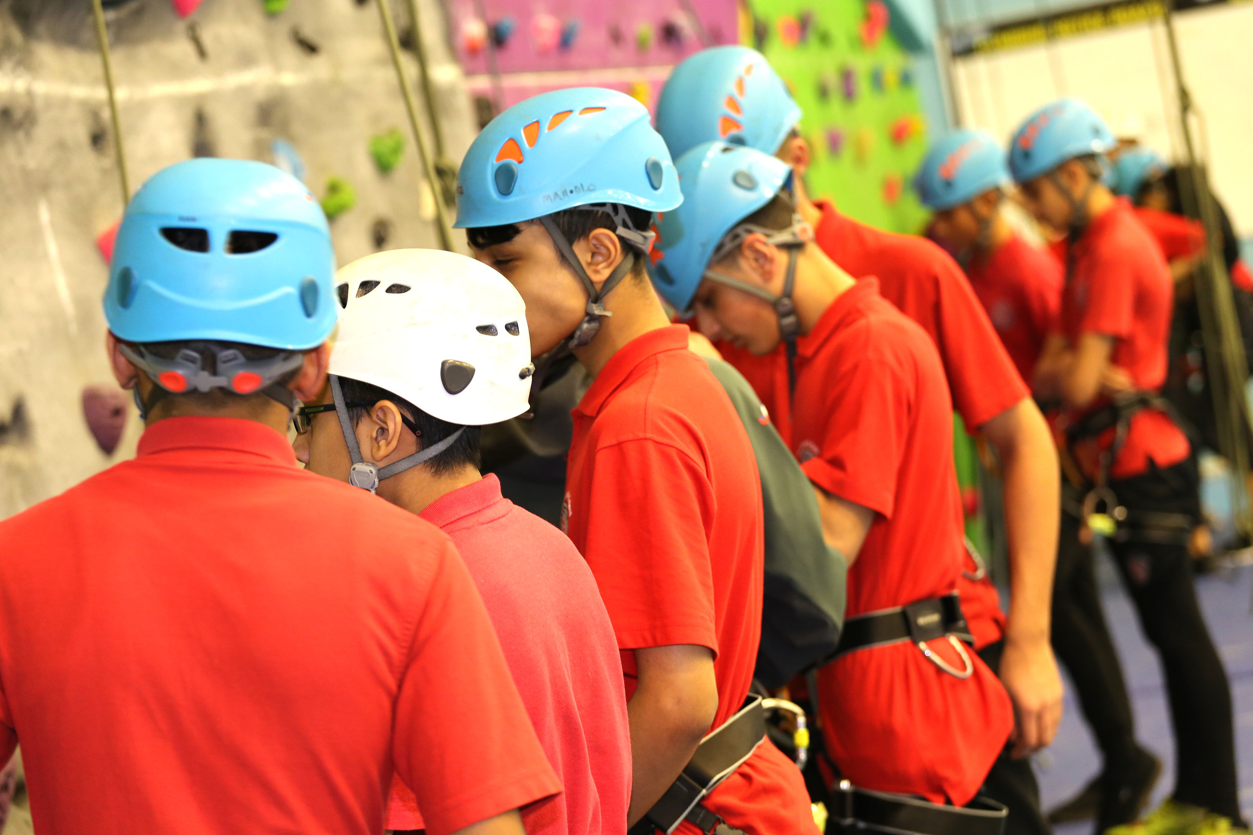 UProjects delivering GCSE indoor climbing for a school group