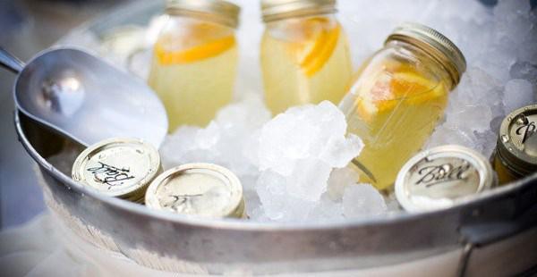 food-mason-jar-cocktails.jpg