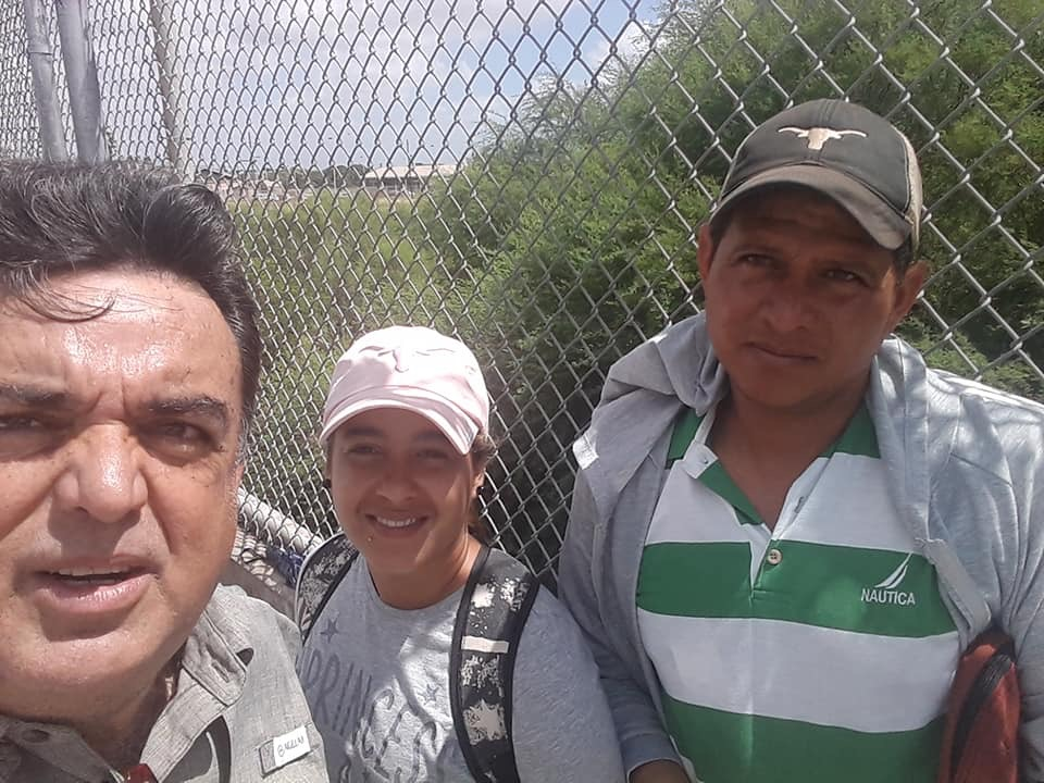 Pastor Rogelio Perez (left) and members of Iglesia Bautista Capernaum of Brownsville, Texas, feed asylum seekers on the Mexico-U.S. border. Fellowship Southwest supports their ministry.