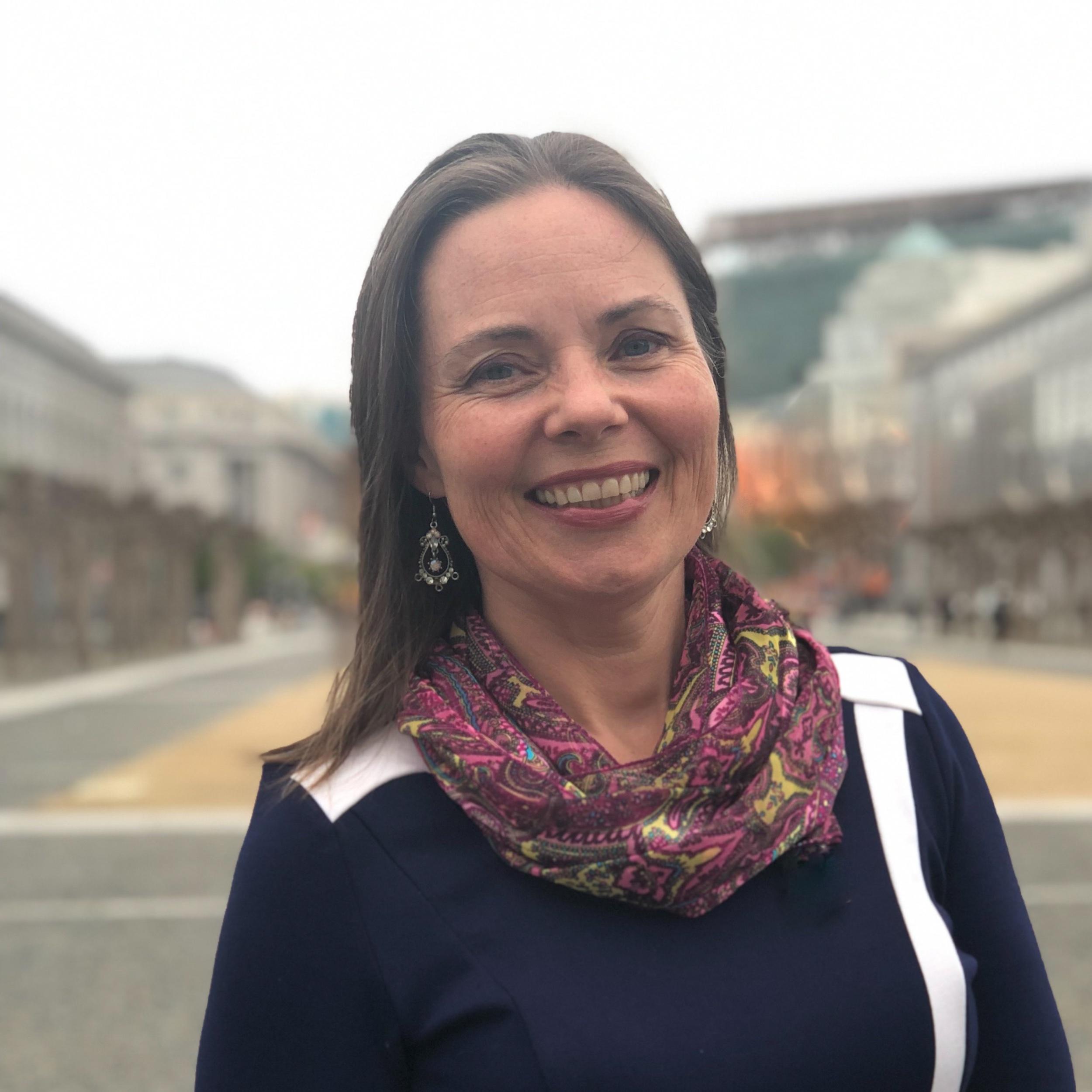 Jacqueline - tech tamer, researcher, strategist,content curator and tipsy copilot.