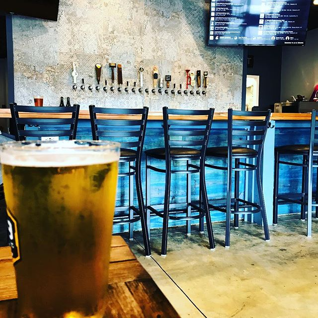 Video shoot took me to Hop & Vine today! New local wine and beer spot near Skybrook neighborhood in Huntersville! It was after 12:00 and 5:00 somewhere! Plenty of local beers on tap to choose from! #OutAndAbout #Huntersville #CLT #QueenCity #BuzzCity #CaddyAndCo