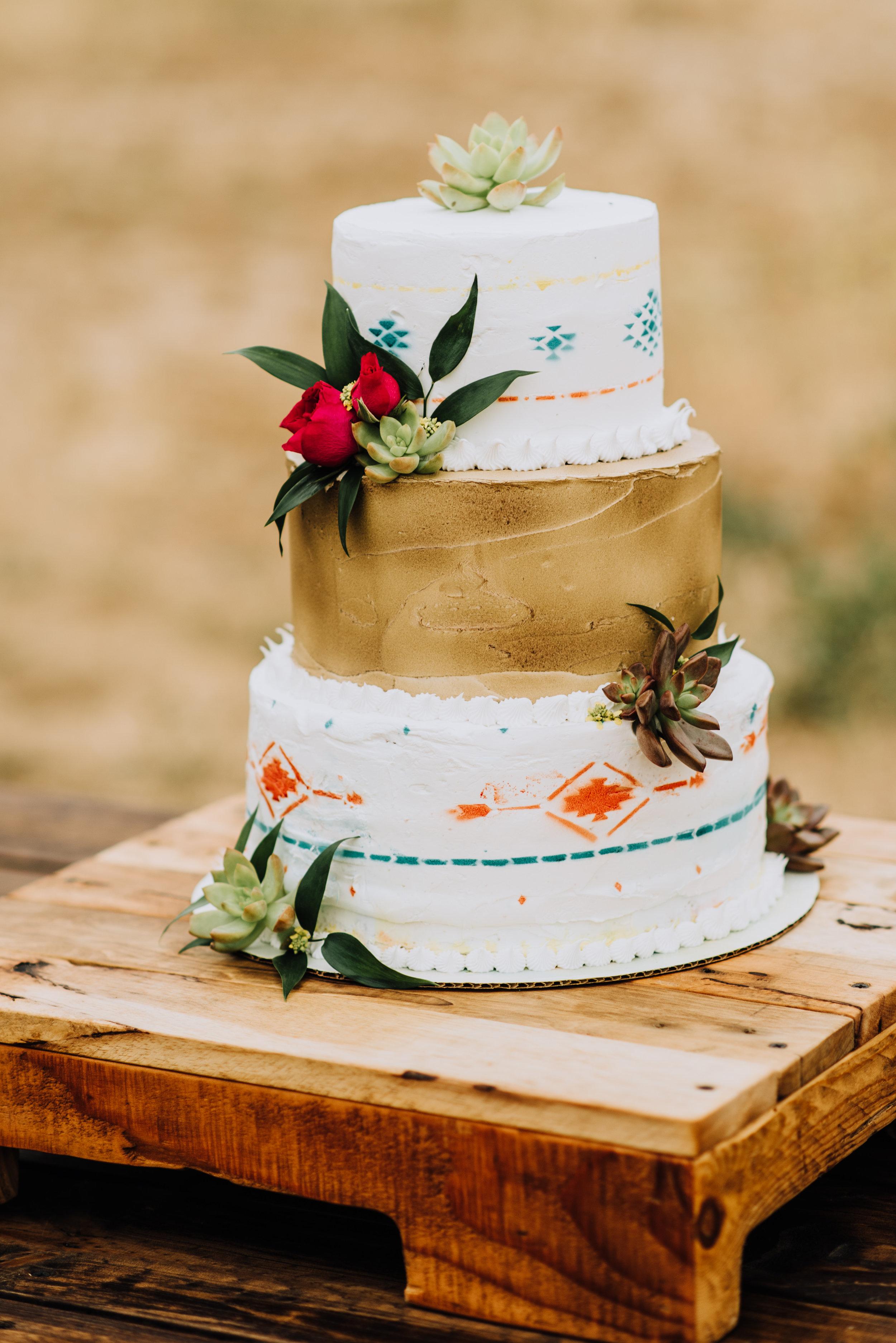 Segundina Cake Stand