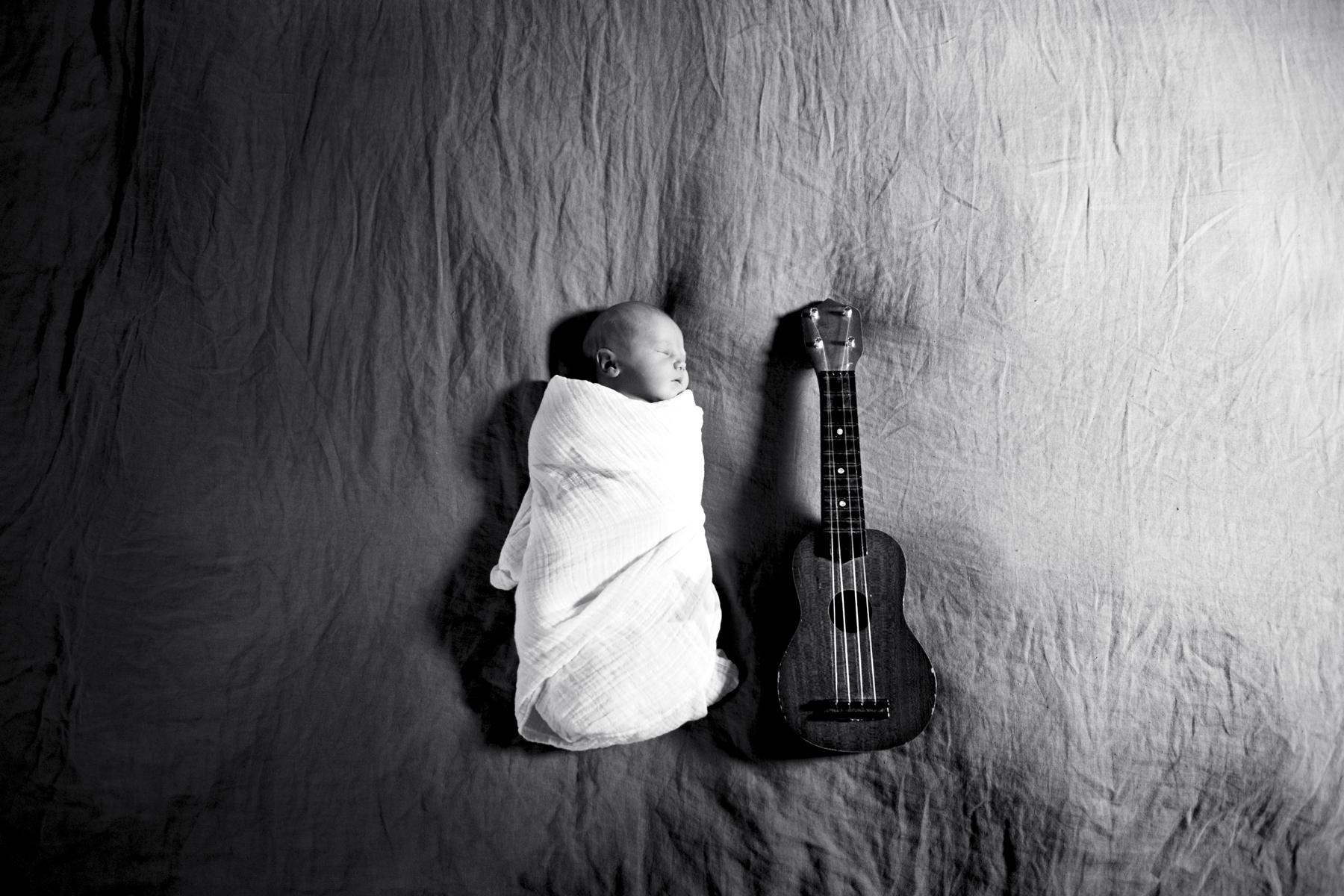 Marlowe+ukulele.jpg
