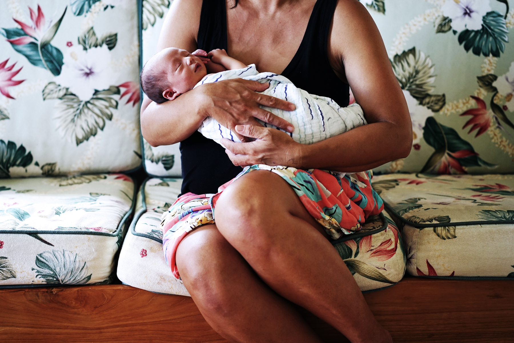 maui-newborn-photographer.jpg