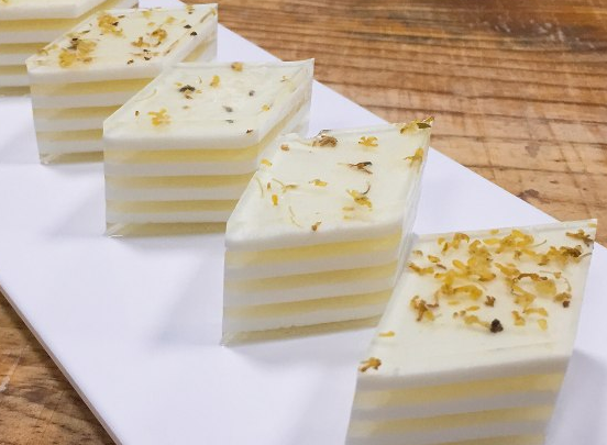 Ch 482 - osmanthus cake 3.png