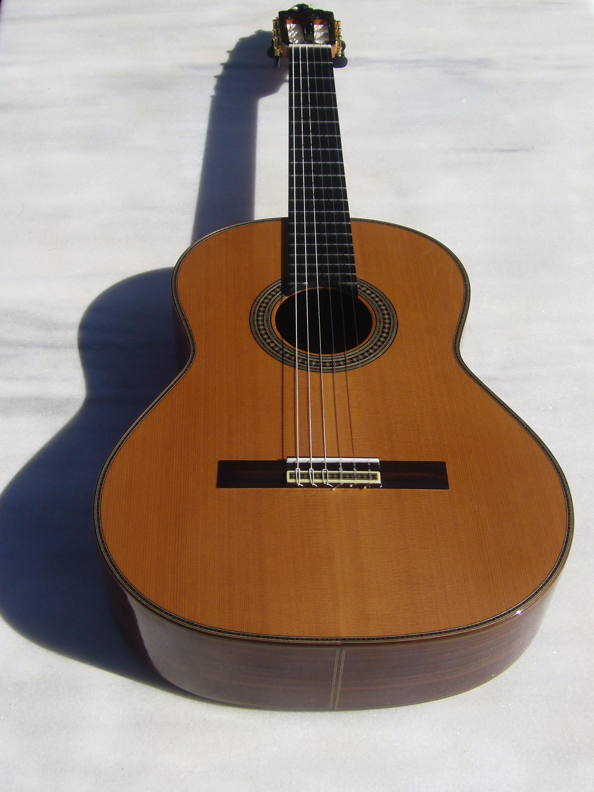 eric-henderson-classical-guitar