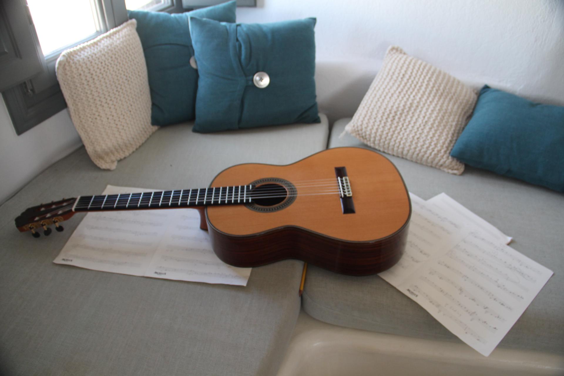 Classical-Guitar-Practice