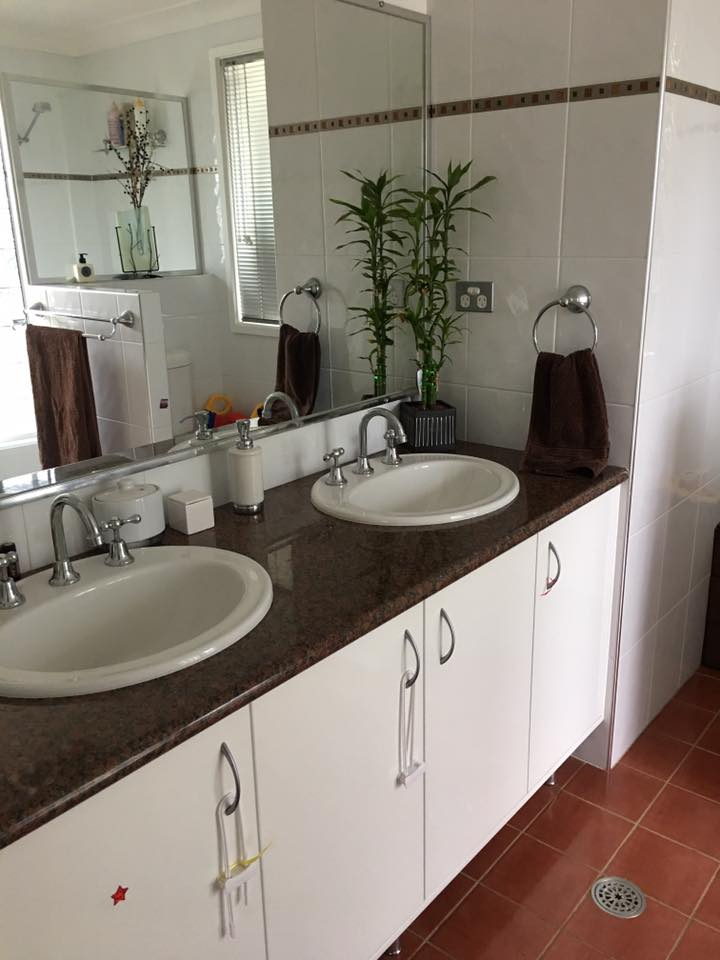 Domestic cleaning bathroom 2 - Copy.jpg