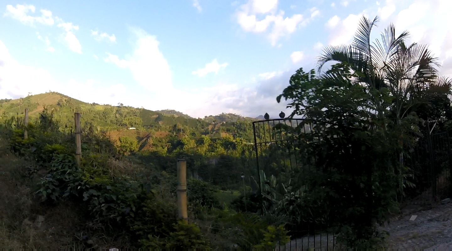 A view from the ride to Medellín from Manizales.