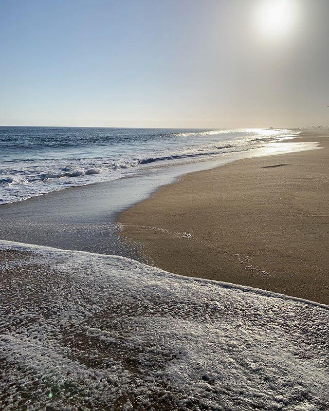 . . .  #westerner #sircanyon #newportbeach #americana #surf #sunset
