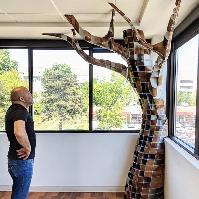 Just installed a new #treehousesculpture at the offices of @vivacreative  #metalart#industrialdesign#metalscpture#tree#install#installationart#wood#