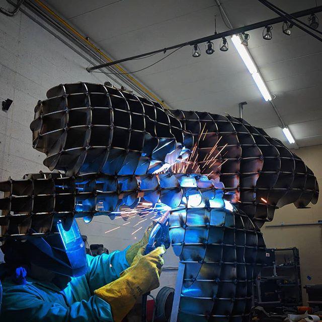 Feeling inspired. More progress to come.  #metalart#metalsculpture#largerthanlife#metal#figurativeart#figurative#figurativesculpture#sculpture#welding#art#metalwork#weldart#fabrication