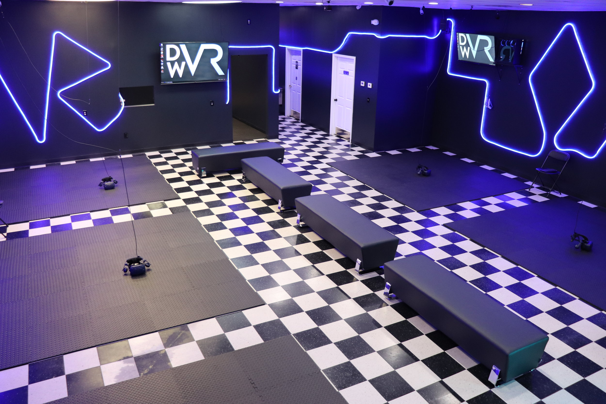 Interior Image of Digital Worlds Virtual Reality Arcade in Franklin Tennessee showing VR Stations