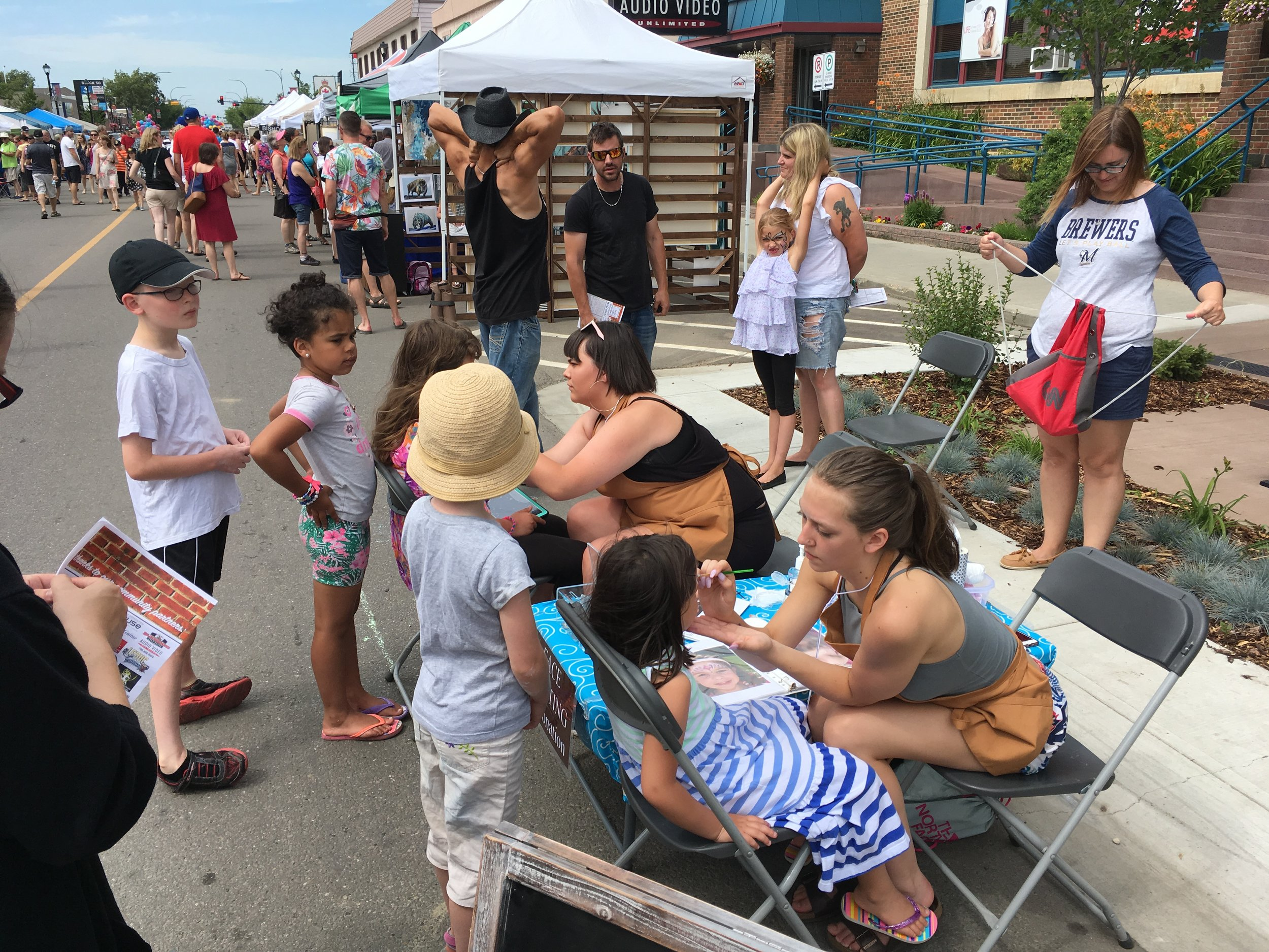 Volunteer with us - Want to get involved in Art Walk but not quite ready to unveil your masterpiece? Read on for more information on other ways you can get in on the fun!