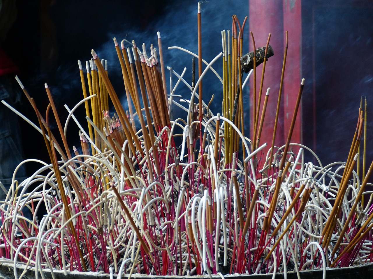 vietnam-incense.jpg