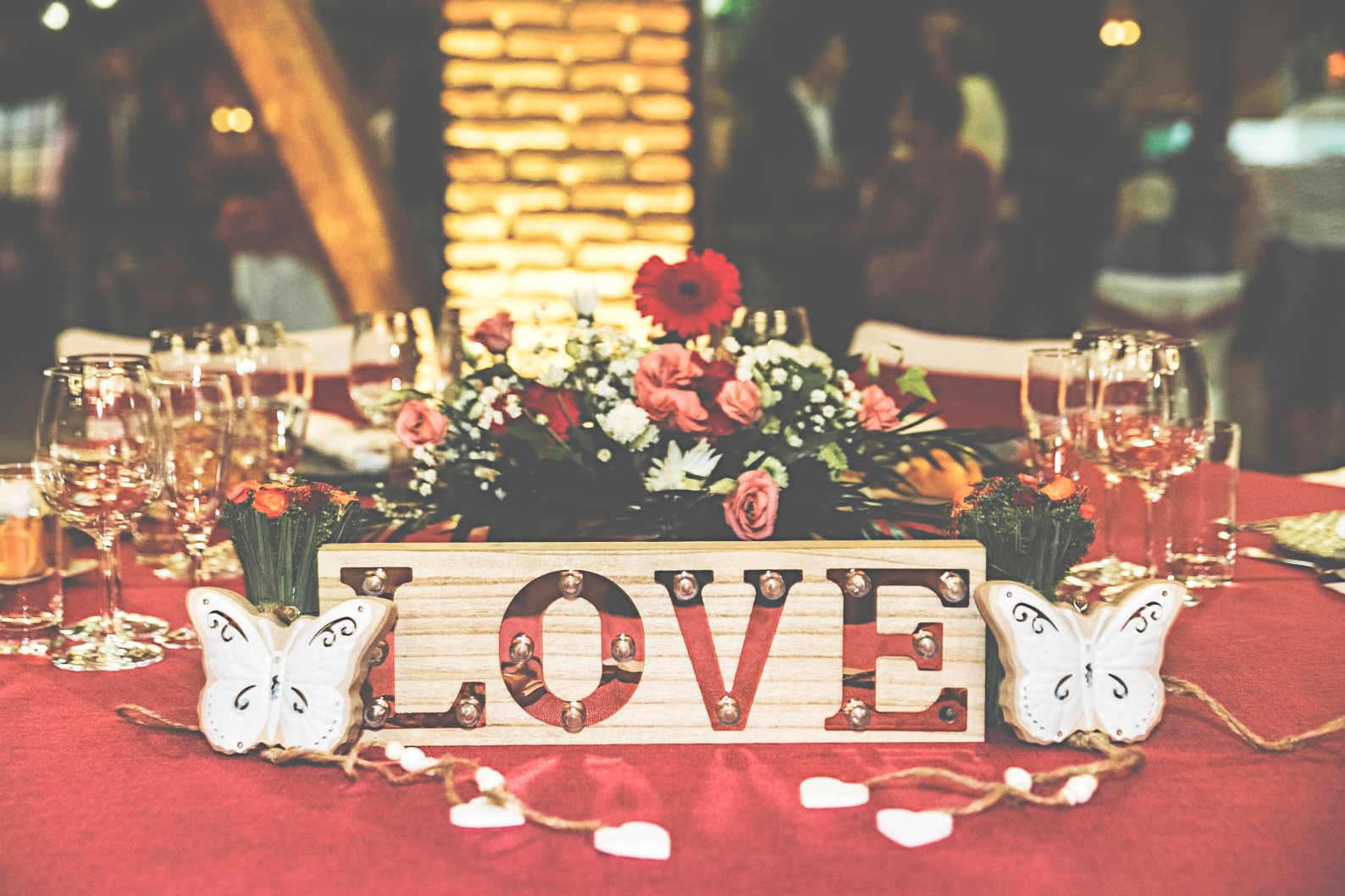nn_wedding_decoracion_love.jpeg