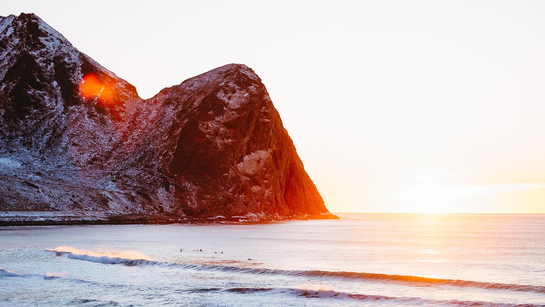 norway-lofoten-surf