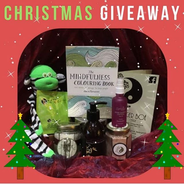 ❆ ᑕᕼᖇIᔕTᗰᗩᔕ GIᐯEᗩᗯᗩY ❆  We want to say thank you to all of our followers by offering you all the chance to *win* your own ᕼEᗩᒪIᑎG ᕼᗩᗰᑭEᖇ :- ❆ The Mindfulness Colouring BOOK by Emma Farrarons / Illustration & Art Direction to relax and get creative with. ❆ A Rose Quartz Aura Spray from Zephorium to cleanse your heart space and invite love into your life. ❆ A NEEM Sunita Passi Stunning Sweet Orange and Rose Geranium Shower Gel and hand wash to refresh with. ❆ A Rose Essence Bath Scrub handmade at The Tiger Boe Centre to rejuvenate and invigorate your skin. ❆ Pink Himalayan Bath Salts to clear away old energies and draw toxins out of the body during a relaxing bath. ❆ A Moxa bath sachet and adorable Moxa Monkey (can be heated in microwave) to help increase blood circulation and boost immunity.  ᖴOᖇ YOᑌᖇ ᑕᕼᗩᑎᑕE TO ᗯIᑎ: ❆ Like our Facebook page: The Tiger Boe Centre ❆ Share this post on your own Facebook page ❆ Tag 3 friends in the comments who would like to win!  @zephorium @neemsunitapassi @emmafarrarons  #ukgiveaway #christmas #christmasgift #giveaway #free #gift #healing #hamper #mindfulness #meditation #colouringbook #moxa #monkey #himalayansalt #detox #relax #chill #unwind #nottingham #special #freebies #win
