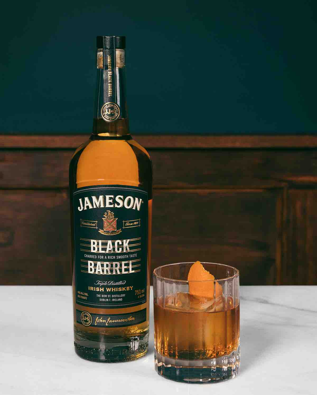 FY19_JAM_JBB_FATHERSDAY_NATIONAL_PRODUCT_FACEBOOK_STILL_4x5_BottleOldFashioned-9276.jpeg