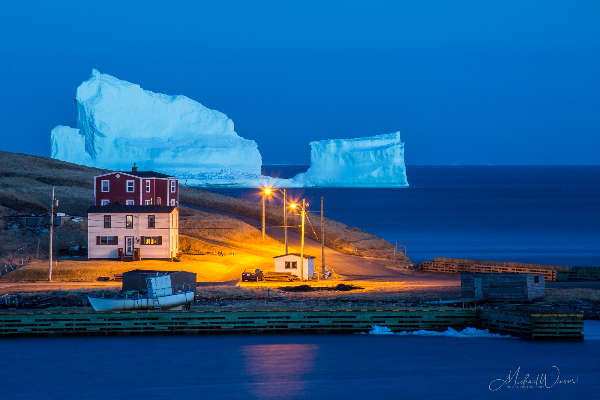 Icebergs, Whales, Birds workshop- 2 days - Travel Newfoundland Photographing Icebergs, Whales and Birds.
