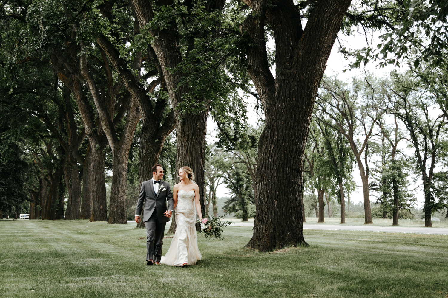 lethbridge-wedding-photographer-love-and-be-loved-photography-bailey-joel-lethbridge-wedding-picture-image-photo-66.jpg