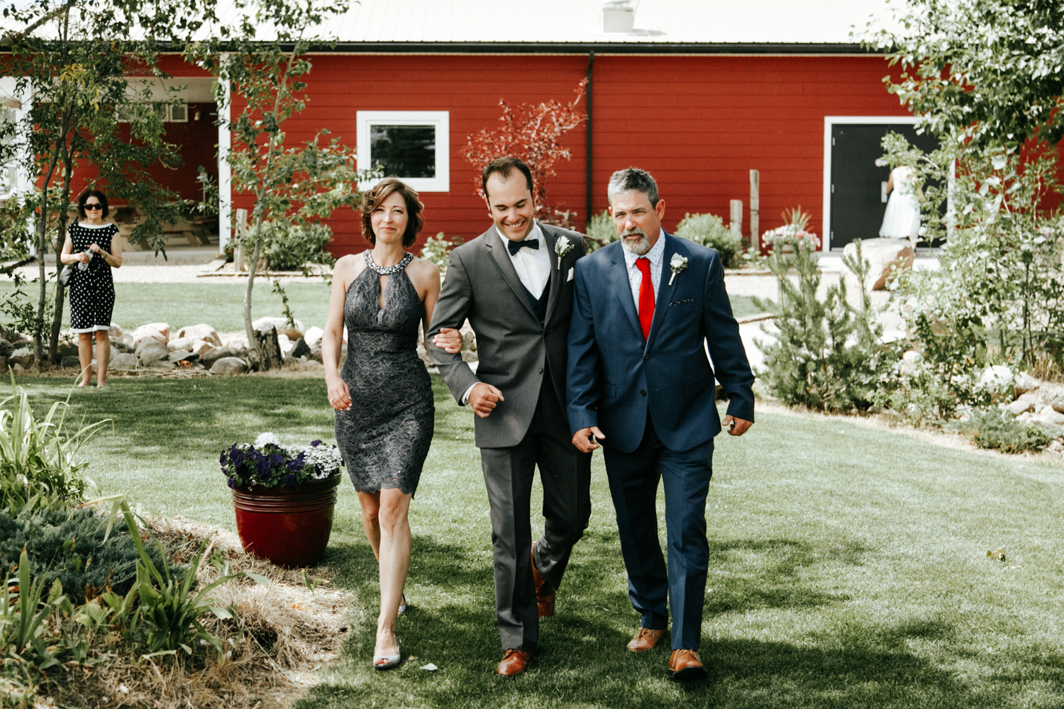 lethbridge-photographer-readymade-community-centre-wedding-coaldale-bailey-joel-picture-image-photo-3.jpg