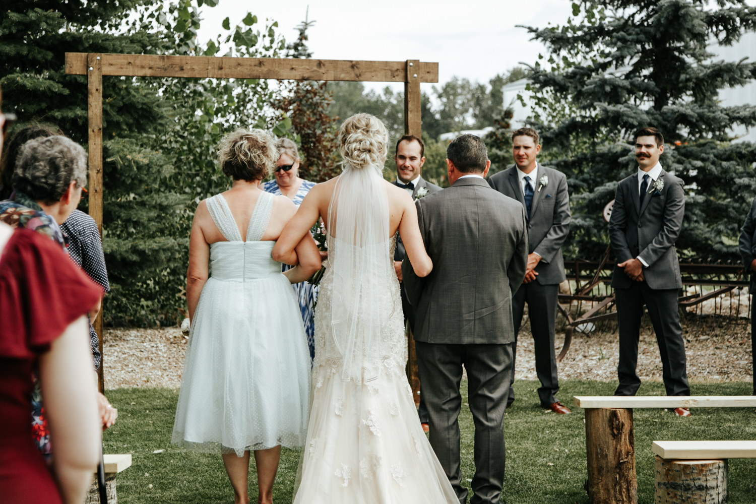 lethbridge-photographer-readymade-community-centre-wedding-coaldale-bailey-joel-picture-image-photo-6.jpg