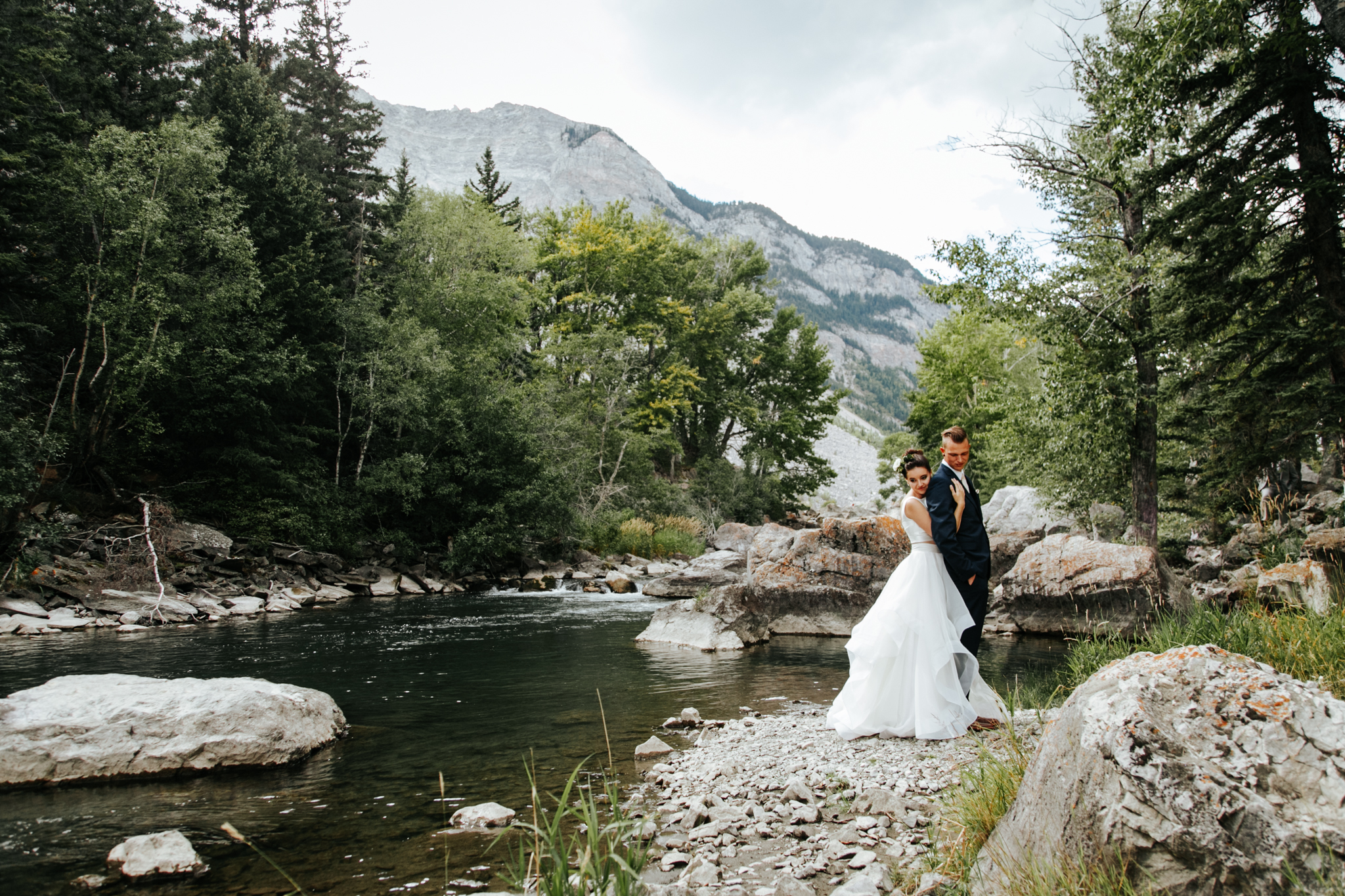 lethbridge-wedding-photographer-love-and-be-loved-photography-kurtis-beth-springbreak-flower-farm-crowsnest-pass-mountain-picture-image-photo-14.jpg
