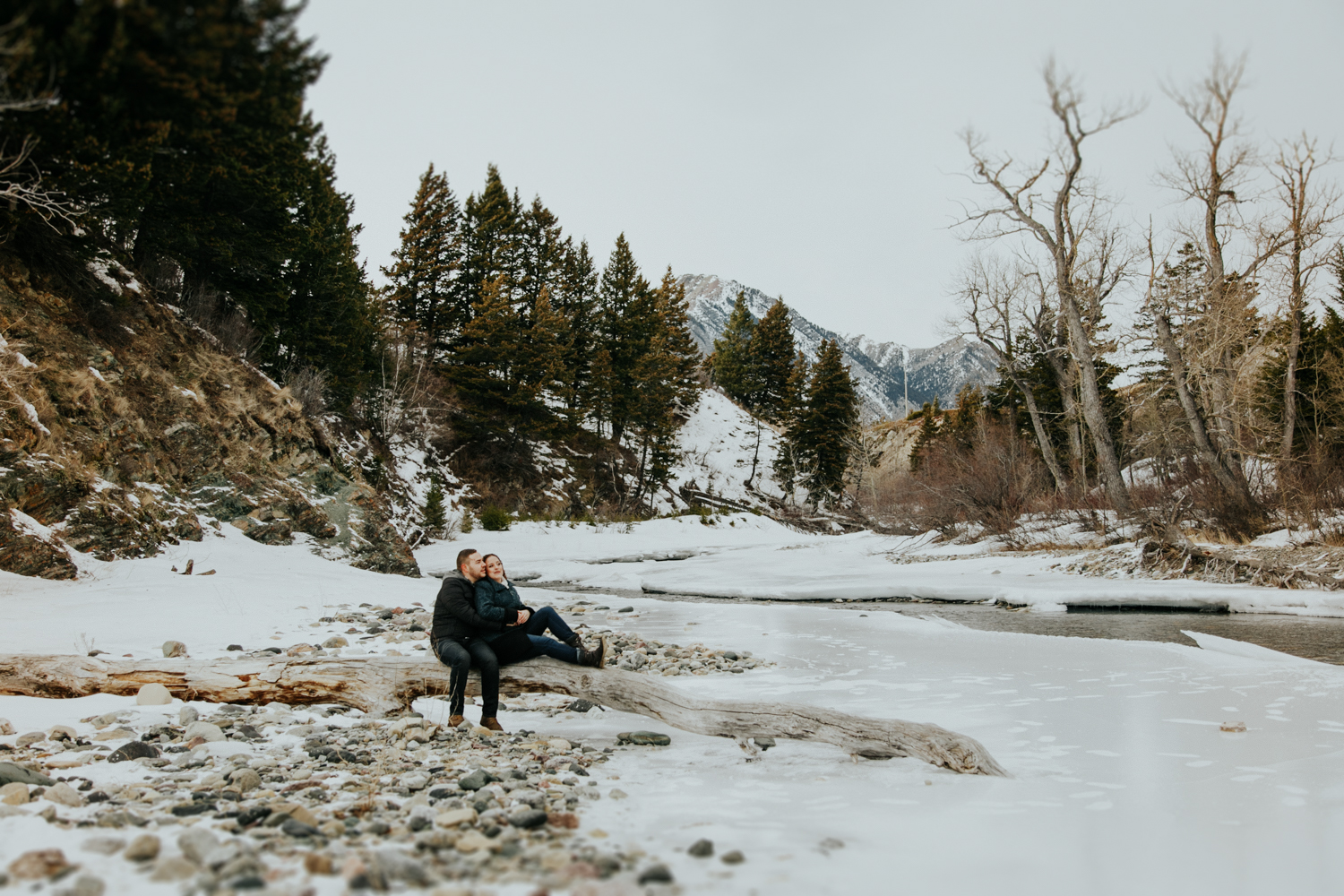waterton-photographer-love-and-be-loved-photography-trent-danielle-engagement-winter-picture-image-photo-14.jpg