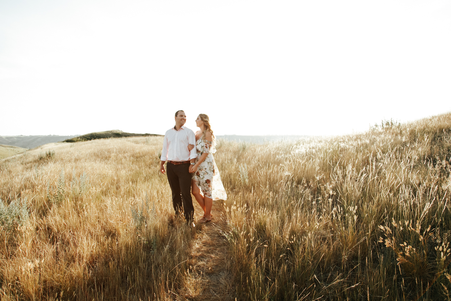 lethbridge-wedding-photographer-love-and-be-loved-photography-katie-kelli-engagement-picture-image-photo-3.jpg