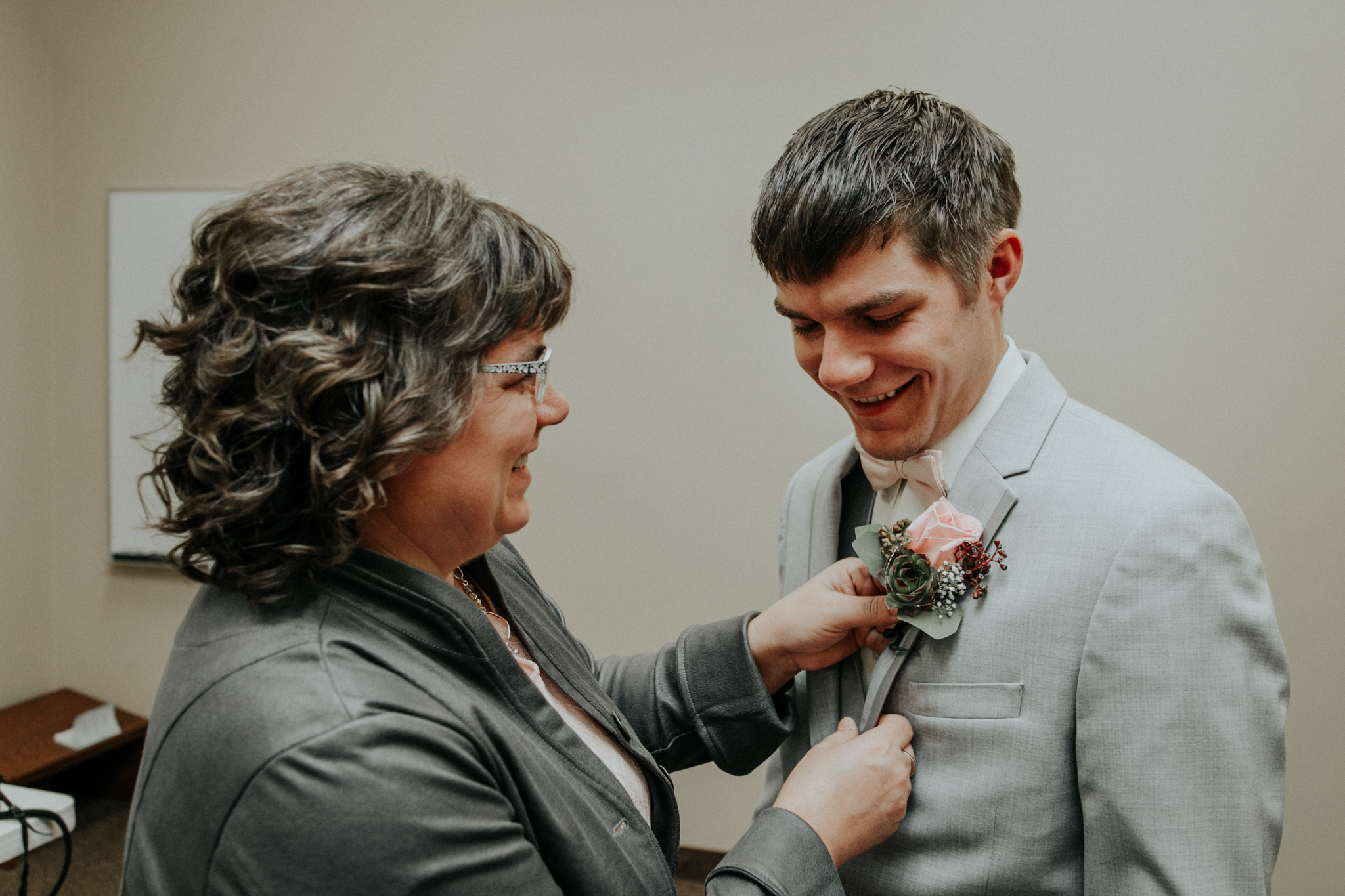 lethbridge-wedding-photographer-love-and-be-loved-photography-steven-marlene-reformed-church-photo-picture-image-3.jpg