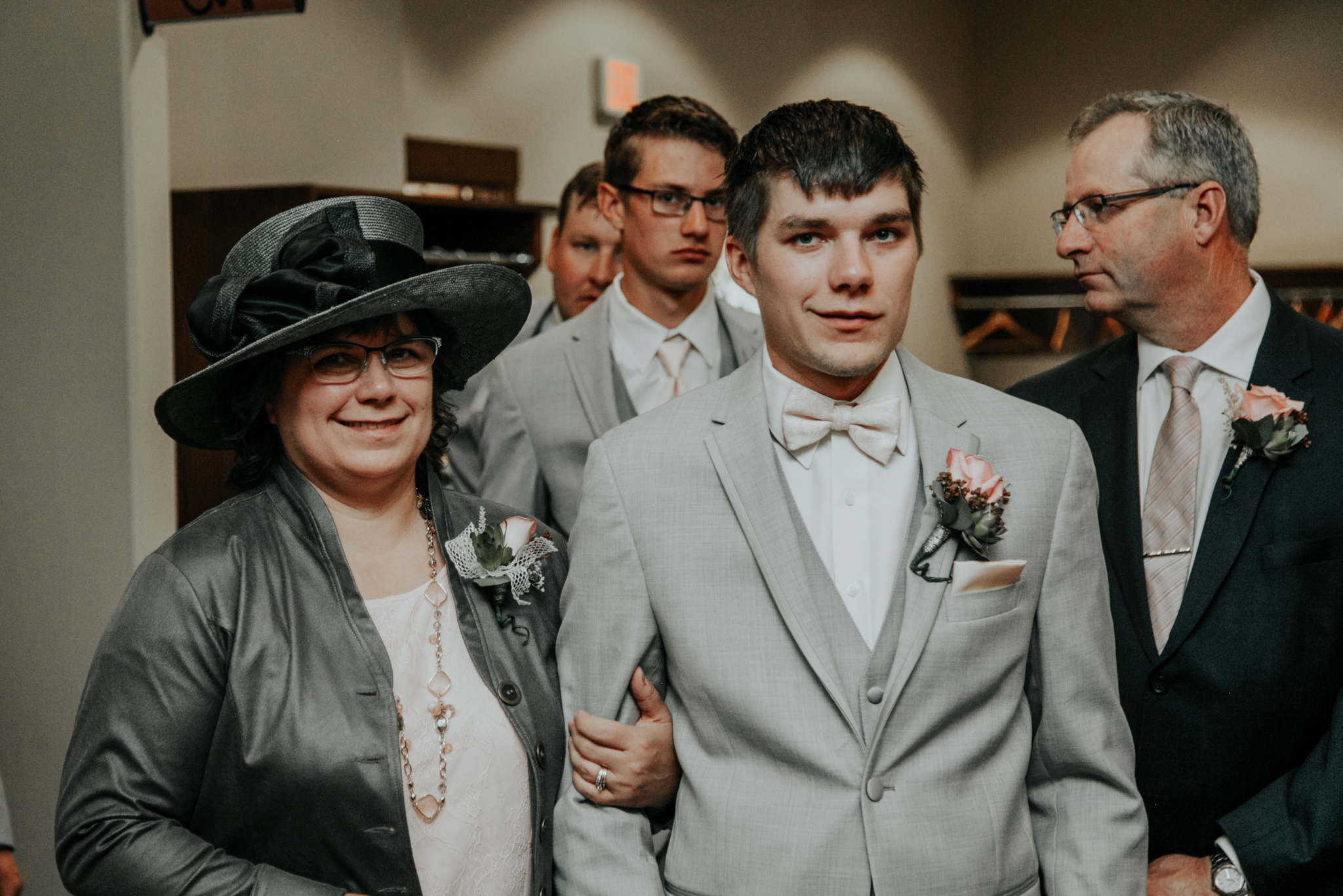 lethbridge-wedding-photographer-love-and-be-loved-photography-steven-marlene-reformed-church-photo-picture-image-14.jpg