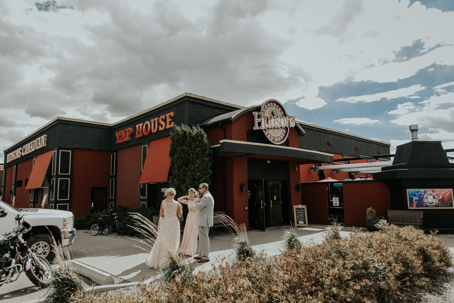 norland-estate-wedding-lethbridge-photography-love-and-be-loved-photographer-picture-image-photo-96.jpg