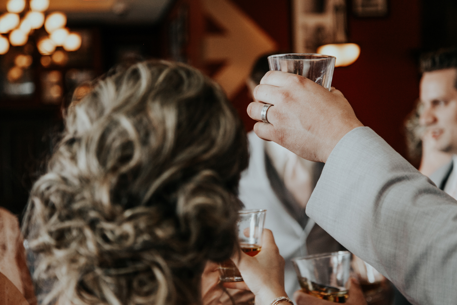 hudsons-tap-house-lethbridge-love-and-be-loved-photography-wedding-image-picture-photo-12.jpg