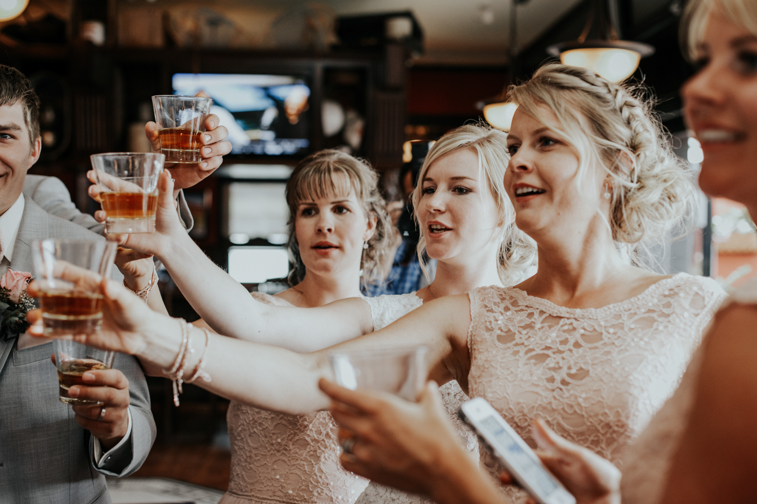 hudsons-tap-house-lethbridge-love-and-be-loved-photography-wedding-image-picture-photo-13.jpg