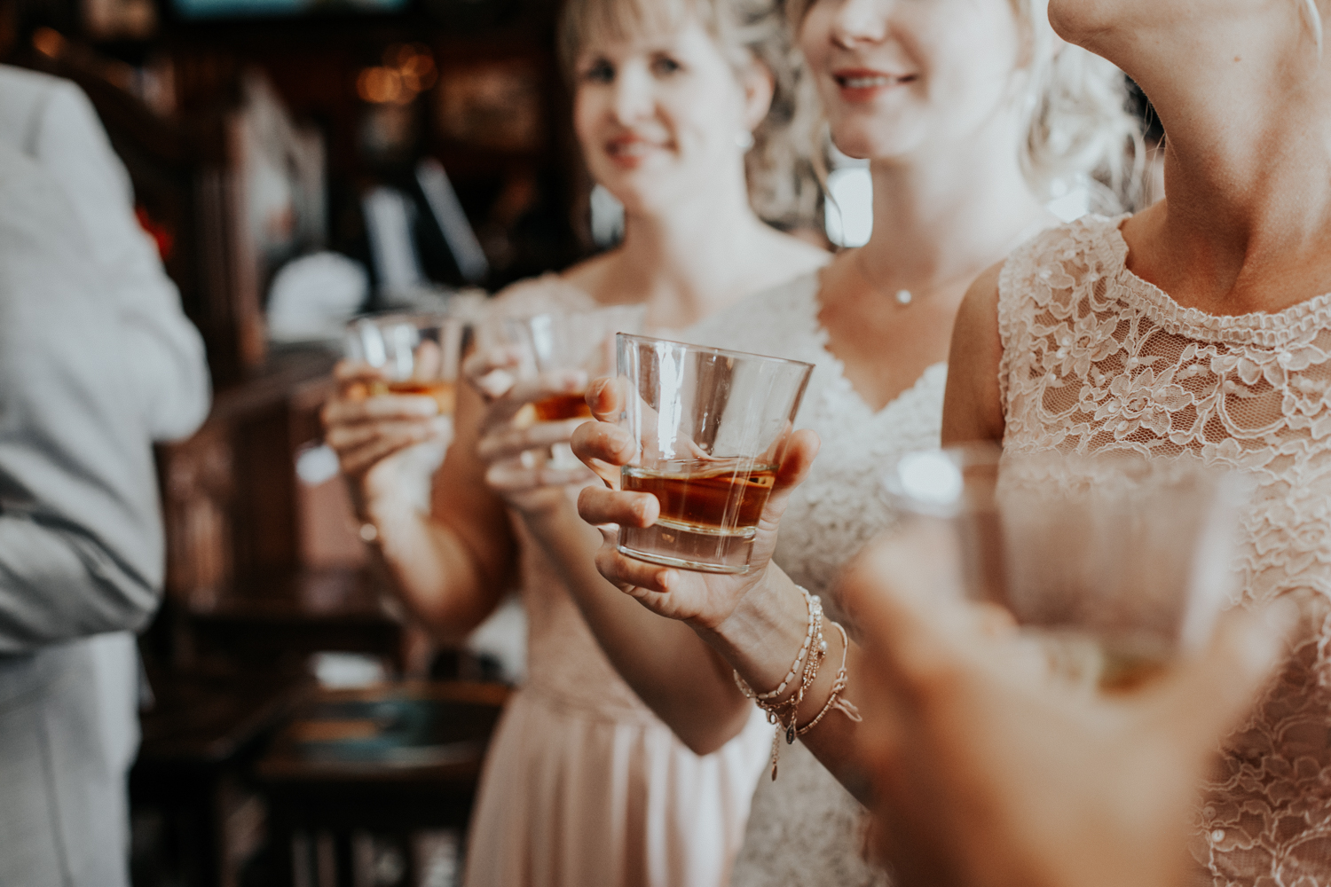 hudsons-tap-house-lethbridge-love-and-be-loved-photography-wedding-image-picture-photo-15.jpg