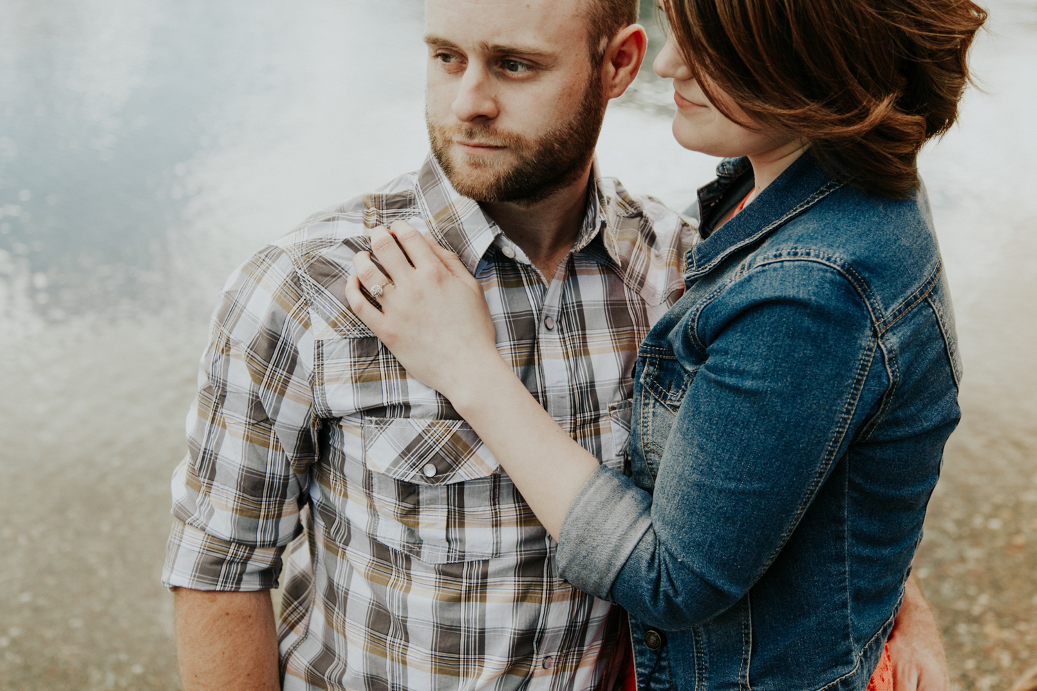 waterton-photographer-love-and-be-loved-photograph-mountain-engagement-luc-megan-picture-iamge-photo-5.jpg