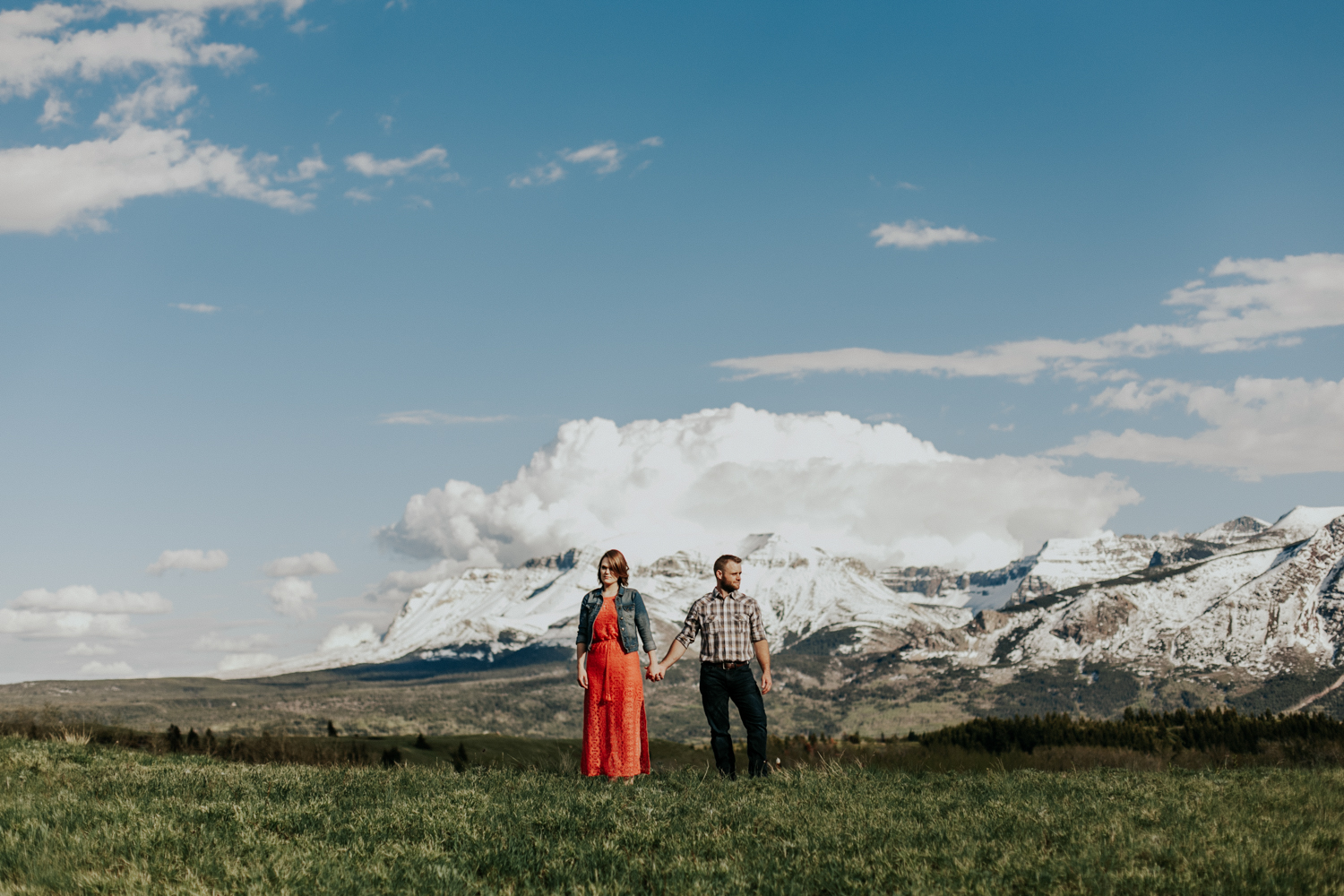 waterton-photographer-love-and-be-loved-photograph-mountain-engagement-luc-megan-picture-iamge-photo-13.jpg