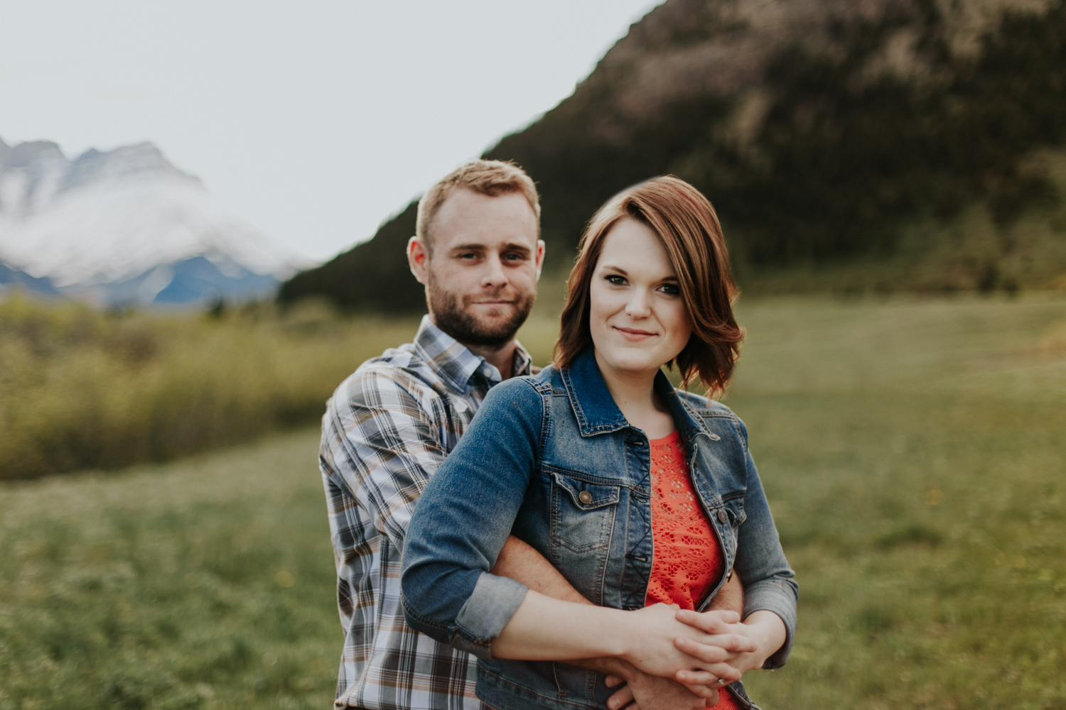 waterton-photographer-love-and-be-loved-photograph-mountain-engagement-luc-megan-picture-iamge-photo-18.jpg